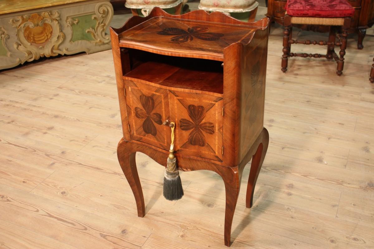 Lo stile genovese caratteristiche e mercatini dell - Stili di mobili ...