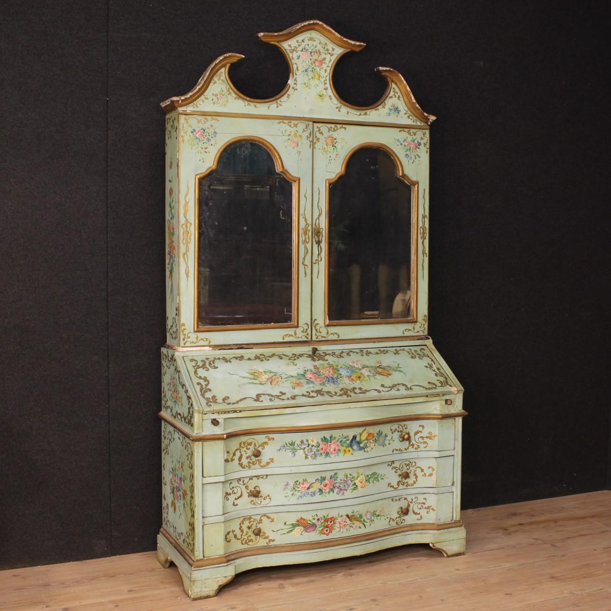 Trumeau veneziano in legno scolpito laccato dipinto con for Foto di mobili antichi