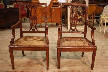 Antica coppia di poltrone italiane in stile Luigi XVI