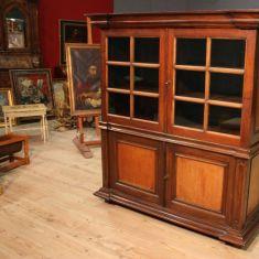 Antica vetrina in legno epoca 800