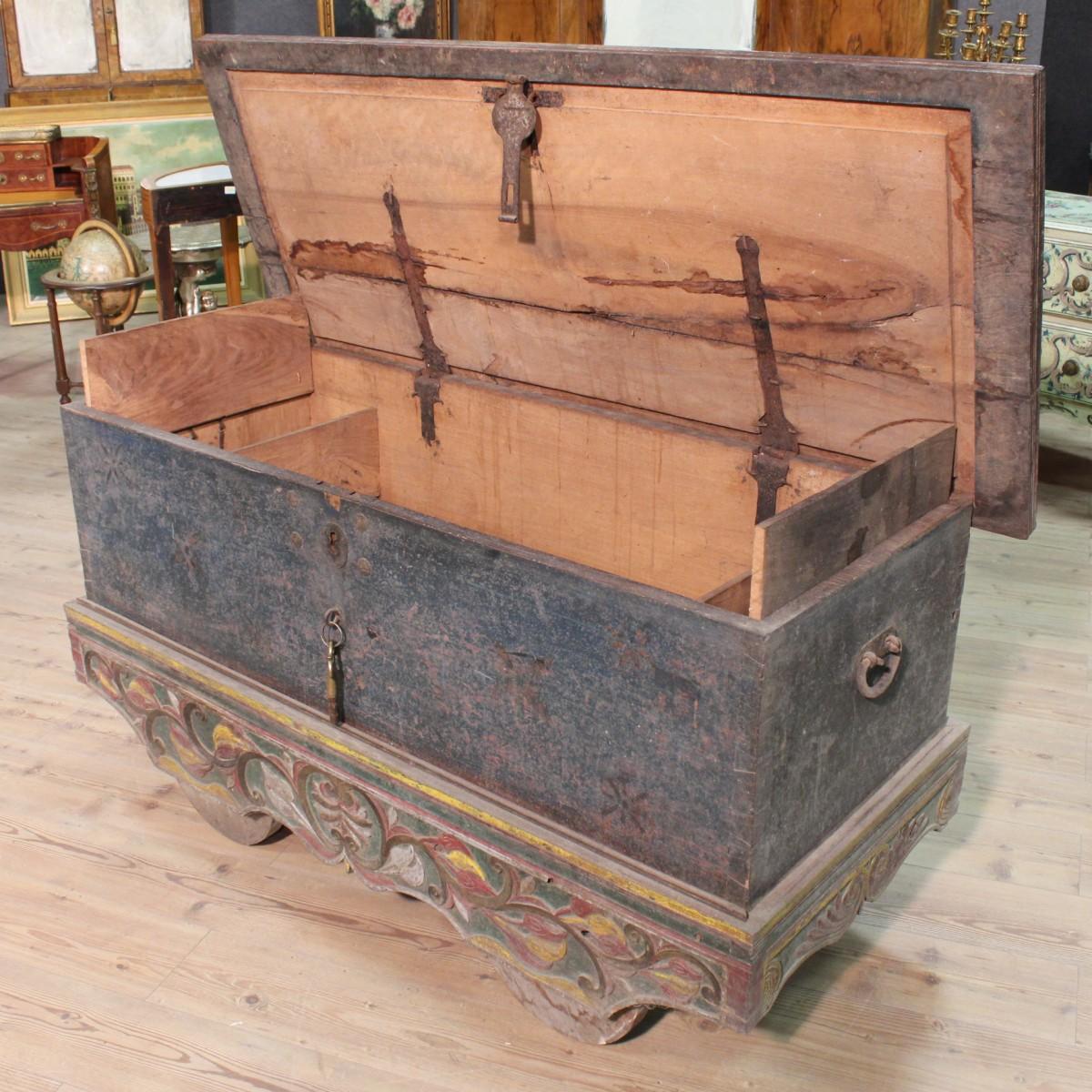 Malle Coffre En Bois Ancien details about baule malle indiana banc en bois sculpté peinture style  ancien 900 xx