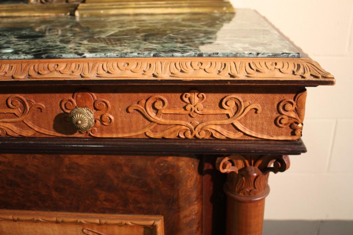 Credenza Con Piano In Marmo : Credenza italiana con specchiera piano in marmo vendita