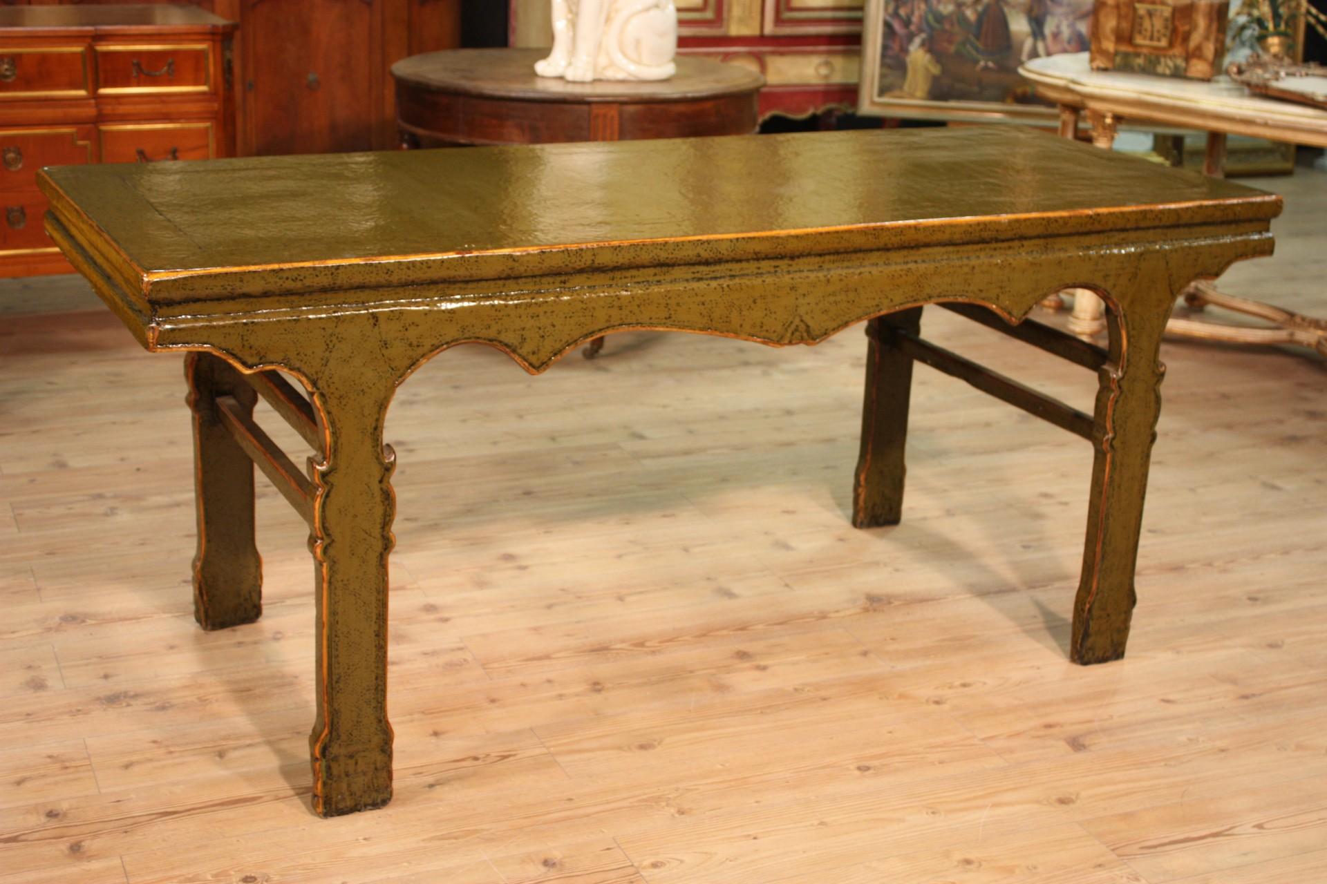 Tavolo cinese in legno laccato for Legno laccato