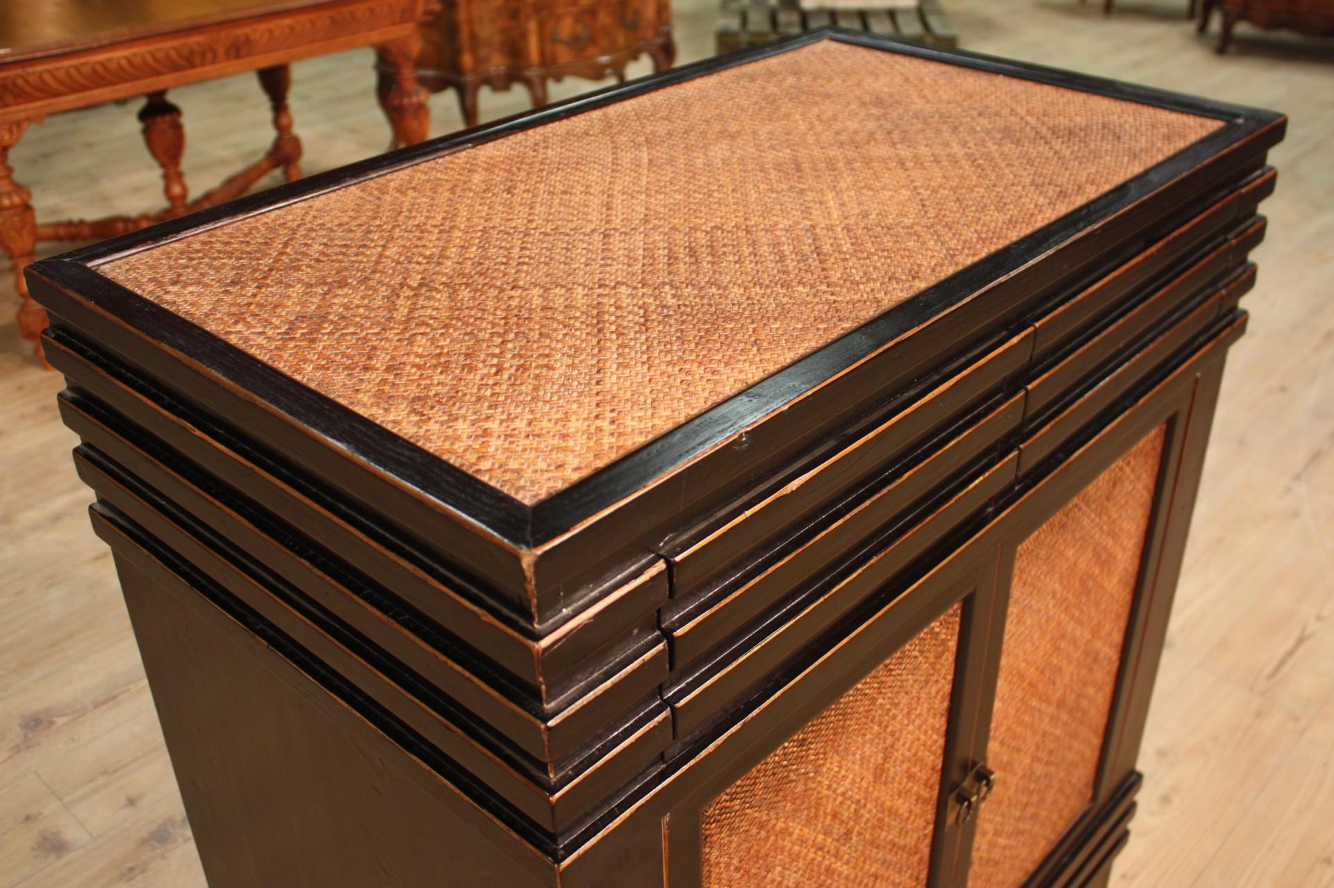 Annuncio credenza orientale in legno laccato e scolpito for Legno laccato