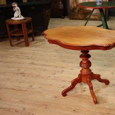 Tavolino da salotto scolpito epoca 900