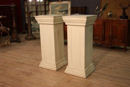 Coppia di colonne francesi in legno dipinto