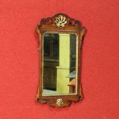 Specchio con decori epoca 900