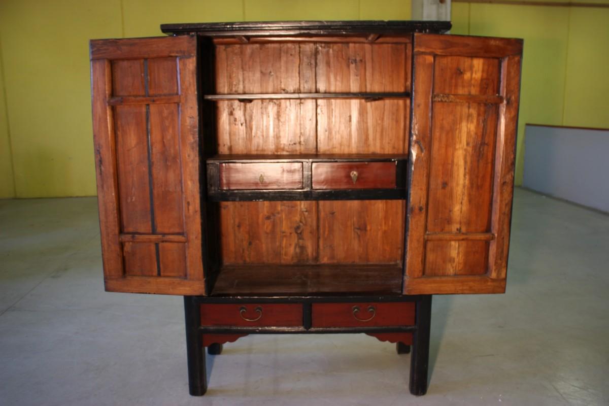Annuncio armadio cinese in legno laccato del xx secolo for Legno laccato