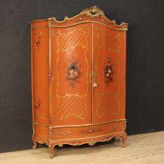 Armadio in legno laccato dorato e dipinto epoca '900