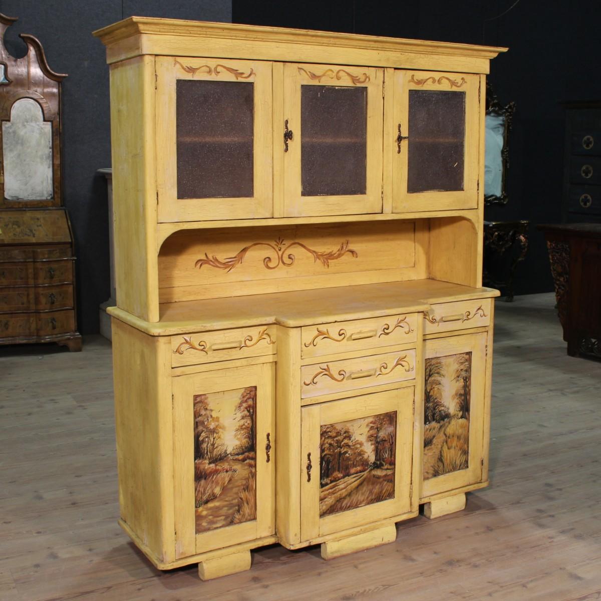 Credenza est europea dipinta a mano del xx secolo for La europea muebles