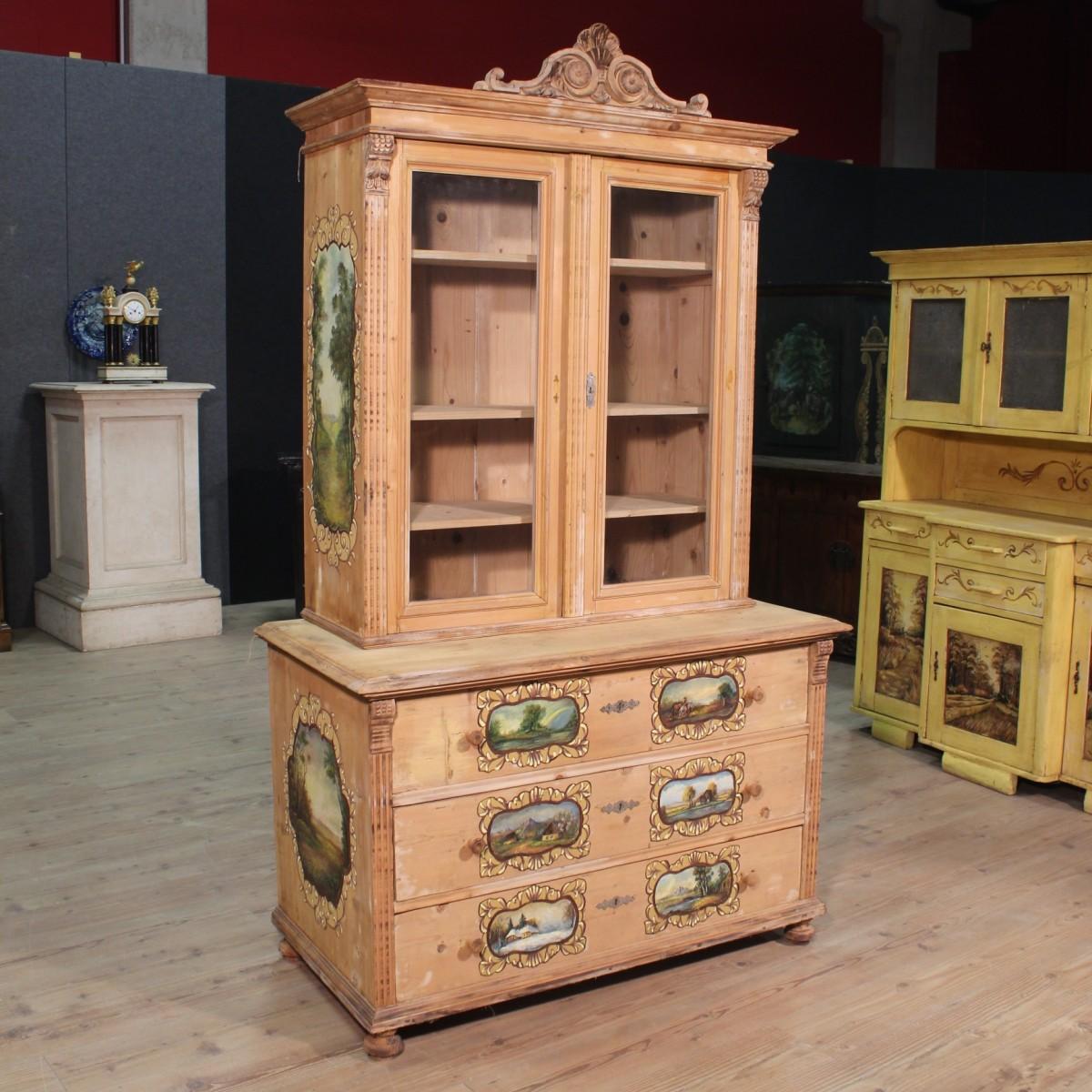 Libreria in legno dipinto a mano dell 39 est europa del xx secolo for Vendo mobili usati milano
