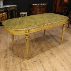 Grande tavolo in legno laccato con piano finto marmo Italia epoca '900