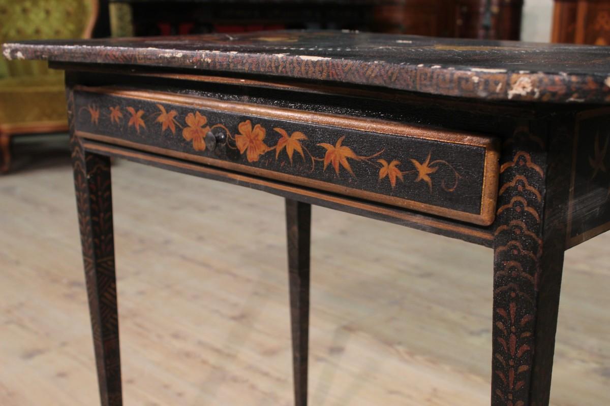 sch ne kleiner tisch tabelle sekret r schreibtisch holz lackiert malerei ebay. Black Bedroom Furniture Sets. Home Design Ideas