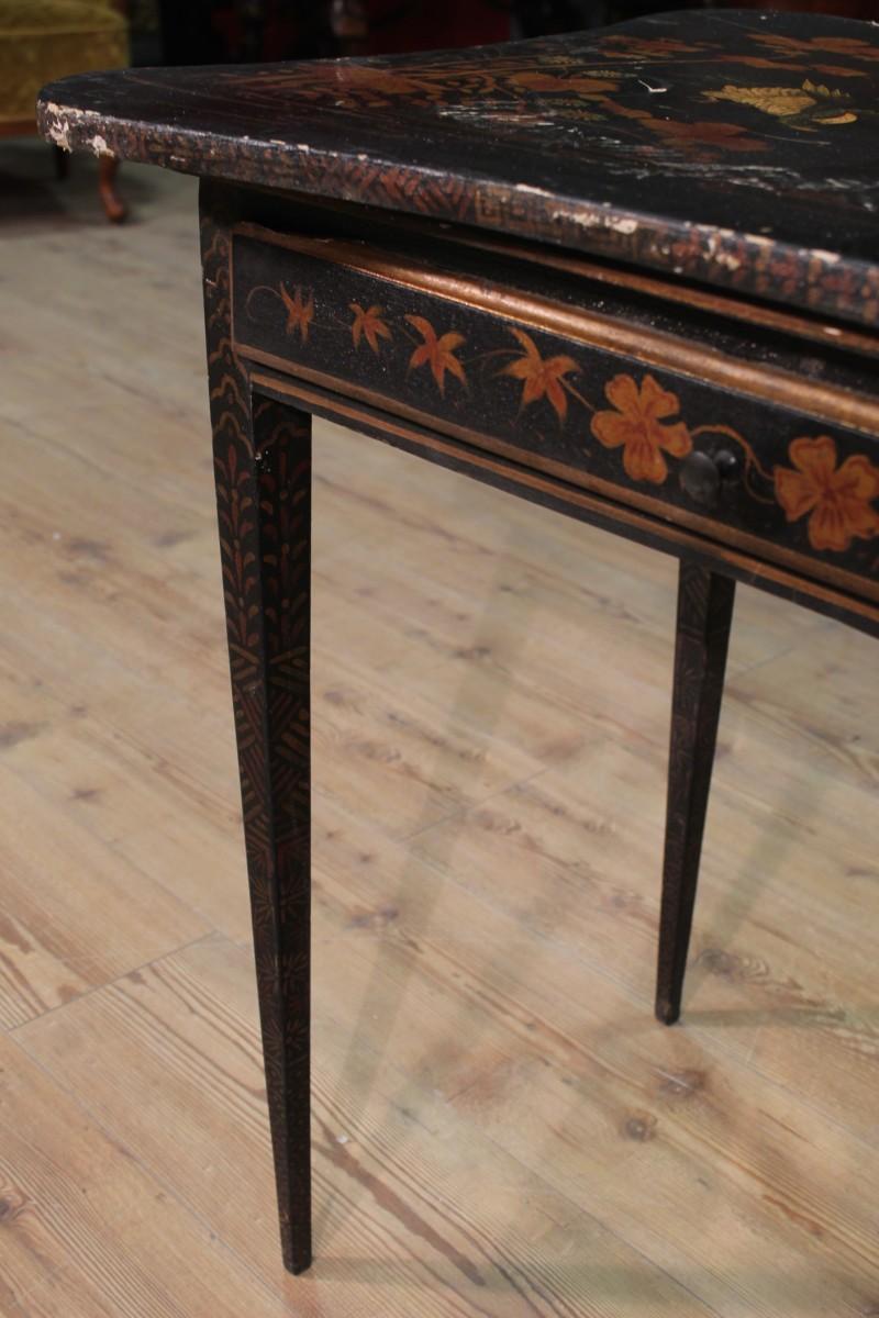 sch ne kleiner tisch tabelle sekret r schreibtisch holz. Black Bedroom Furniture Sets. Home Design Ideas