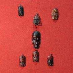 Sculture oggetti per pareti epoca 900