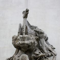 Statua ricavata da radice indonesiane epoca '900