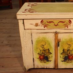 Mobile in legno con decori di frutta epoca 900