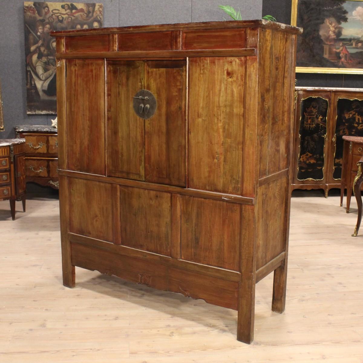 Credenza orientale in legno massello del xx secolo - Mobile credenza ...
