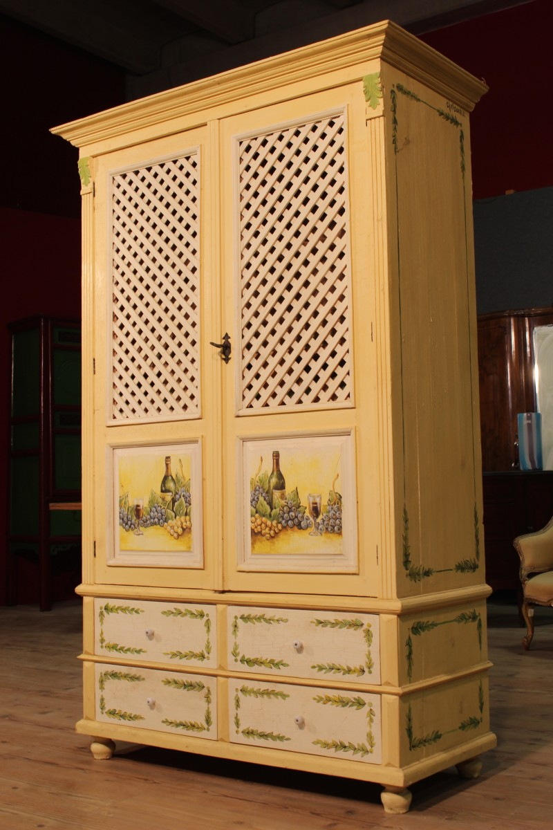 armoire commode porte bouteille bois peinte la main style ancien 900 ebay. Black Bedroom Furniture Sets. Home Design Ideas