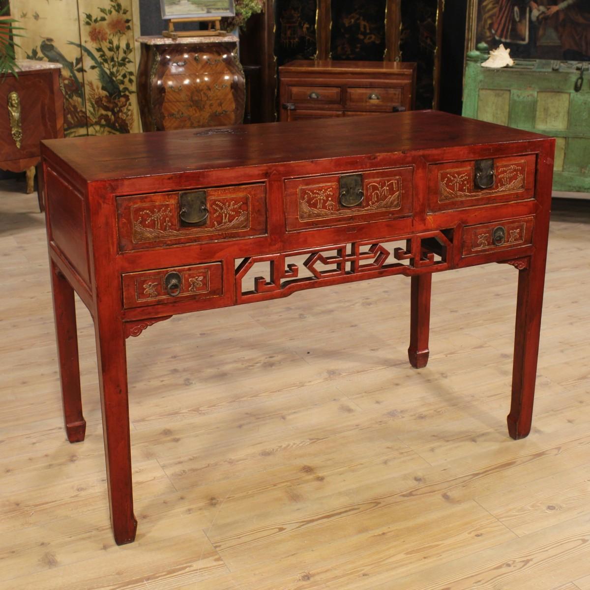 chinoise console laqu rouge bureau du xxe si cle. Black Bedroom Furniture Sets. Home Design Ideas