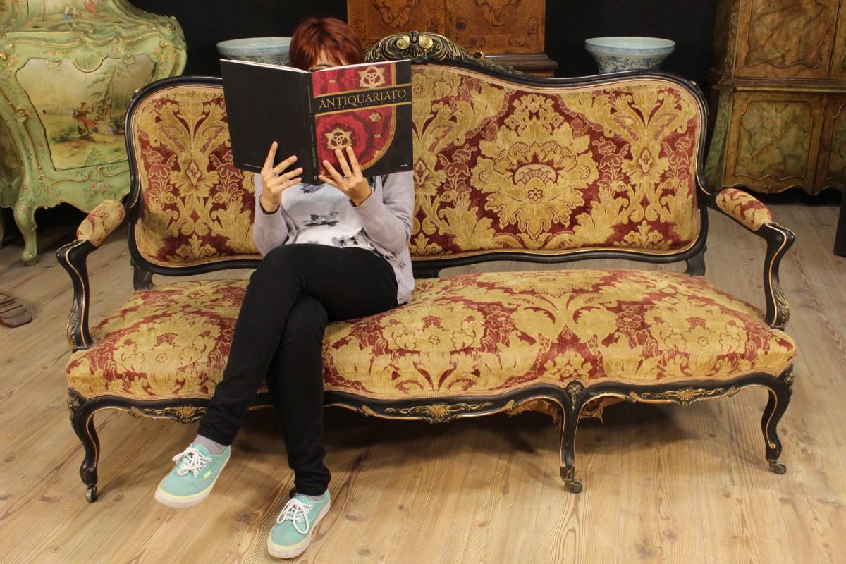 Annuncio divano francese in velluto damascato dei primi for Divano in francese