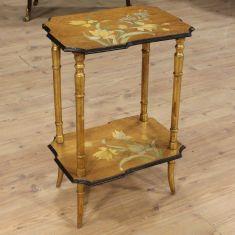 Mobile tavolo da salotto con decori floreali