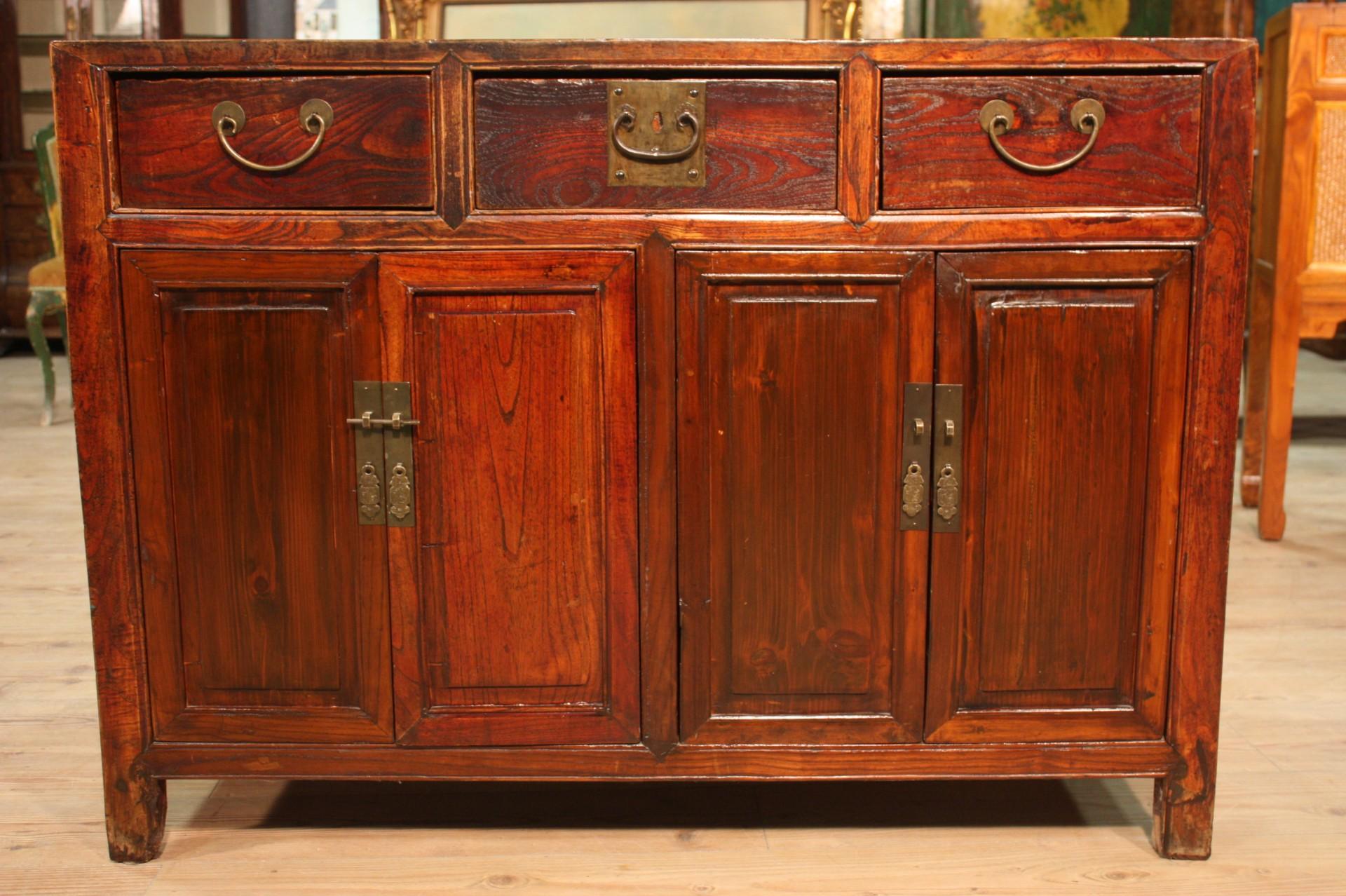 Credenza Rustica 4 Ante : Credenza rustica legno scolpito 3 cassetti 4 ante mobile orientale