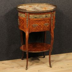 Tavolino con piano in marmo e bronzi e ottone dorati e cesellati