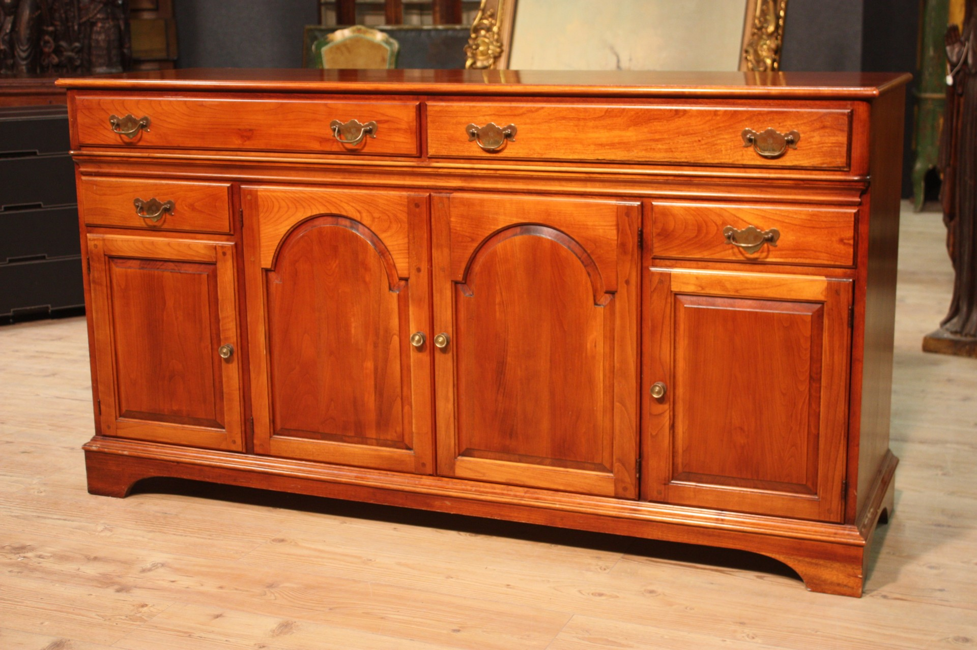 Annuncio credenza europea in legno di tiglio nowarc for Piani di progettazione di mobili in legno