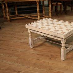 Tavolo basso da salotto con piano in piastrelle epoca '900