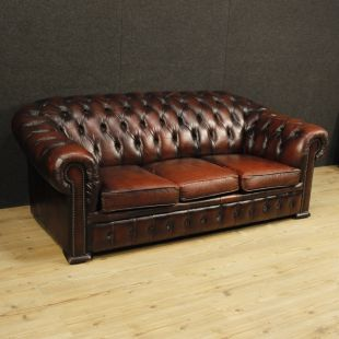 Divano Chesterfield inglese in pelle