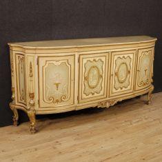 Mobile a quattro ante con decori in stile neoclassico epoca '900