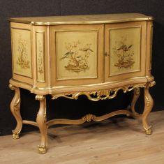 Mobile in legno 2 ante stile antico 900