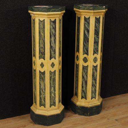 Coppia di colonne italiane in legno laccato
