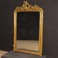 Mobile specchio in legno con cimasa con putto epoca 800
