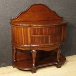 French chest of drawers in mahogany wood