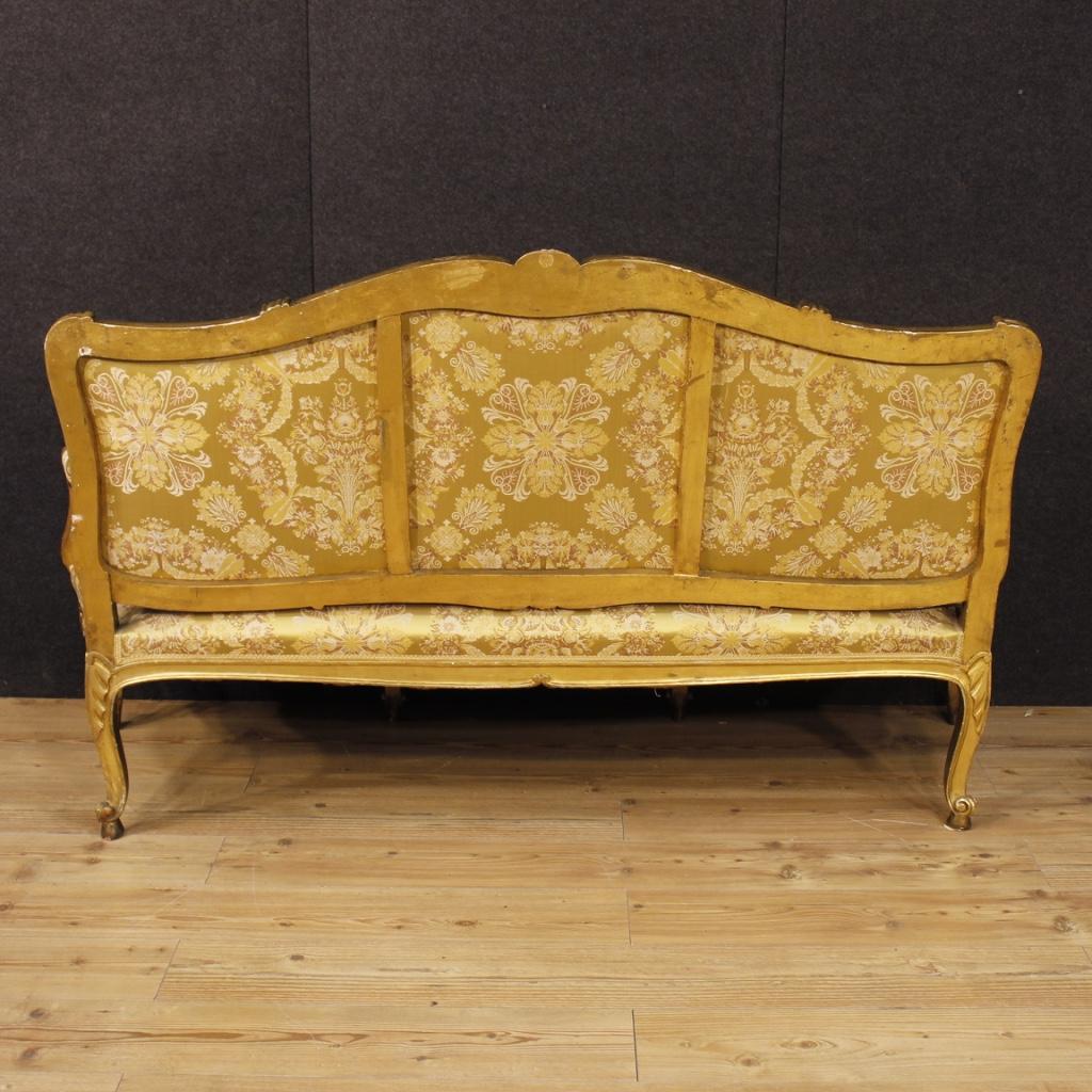 Annuncio: Antico divano dorato in stile Luigi XV del XIX secolo • NowArc