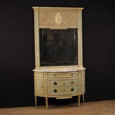 Mobili in legno e stucco laccati, dorati con piano in marmo stile antico