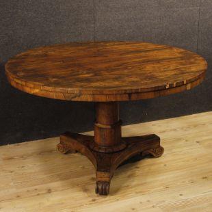 tavoli antichi e moderni, intarsiati, laccati e allungabili