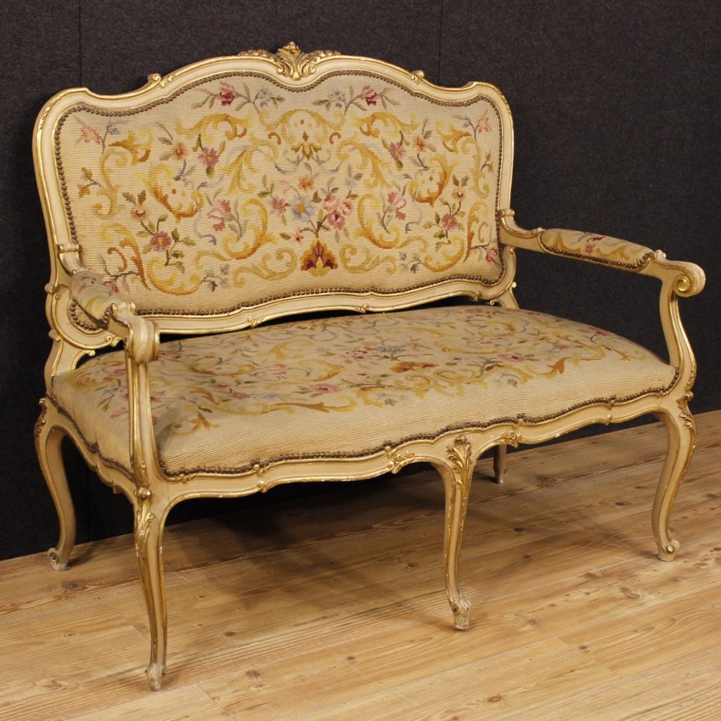 italienische lackierte und vergoldete sofa im louis xv stil. Black Bedroom Furniture Sets. Home Design Ideas