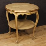 Italian coffee table in lacquered and gilded wood