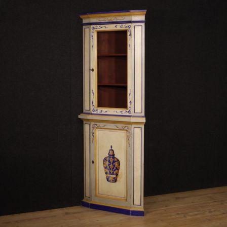 Angoliera italiana in legno dipinto