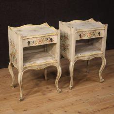 Tavolini in legno camera da letto stile antico 900