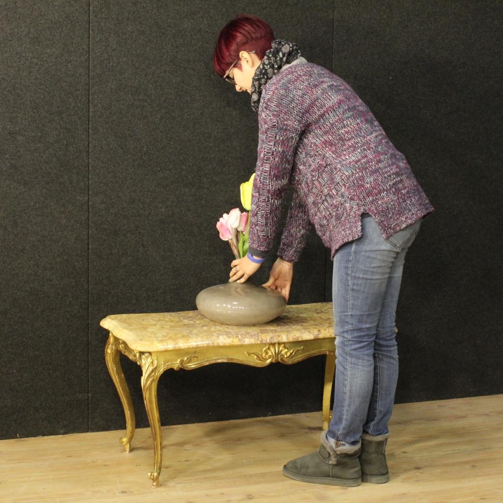Tavolino francese da salotto in legno dorato con piano in ...