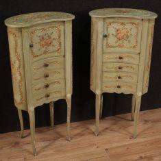 Comodini cassettoni in legno dipinto stile antico