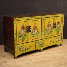 Credenza cinese in legno esotico laccato giallo