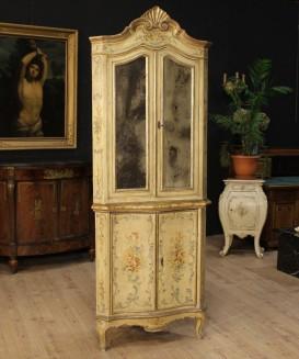 Angoliere antiche dorate e laccate for Nomi di mobili